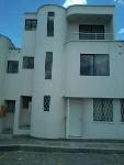 Foto Veraniega casa de 3 plantas nueva en via a...