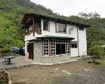 Foto 2 casas estilo español a la orilla del río...
