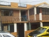 Foto Amplia casa de venta de tres departamentos en...