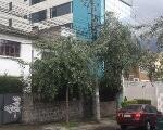 Foto CONSTRUCTORES, Terreno y casa antigua sobre la...