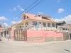 Foto Amplia casa rentera 4 departamentos, entrada a...