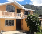 Foto Casa de dos pisos y Hostal
