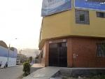 Foto Casa esquina 432m2 3tiendas 9amb SJ Lurigancho