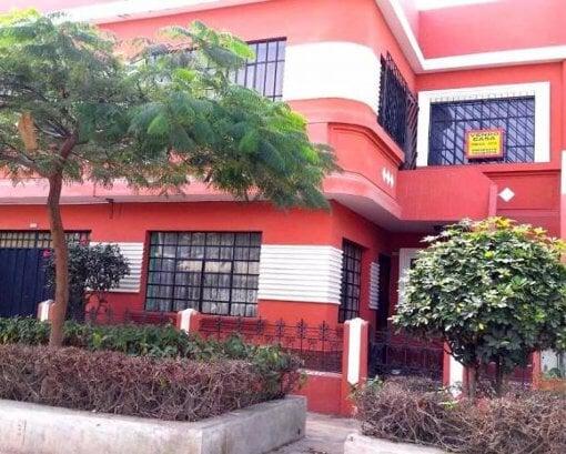 """Foto Dos viviendas en una""""-ideal para 2 familias..."""
