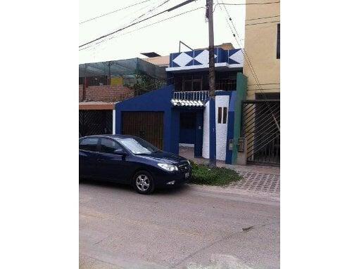 Foto Linda Casa Ubicada En La Urb El Pinar