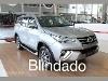 Foto Toyota Hilux SW4 2.8 tdi srx 7l 4wd