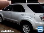 Foto Toyota Hilux SW4 Prata 2014/2015 Diesel em Goiânia
