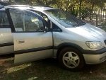 Foto Zafira 2.0 8V MPFI CD 4P Manual 2002/02 R$19.900