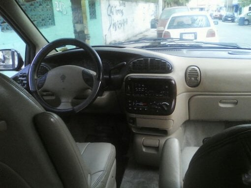 Foto Camioneta town &country