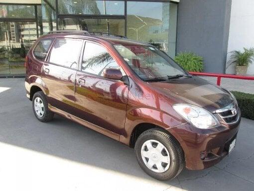 Foto Toyota Avanza 2011 112000