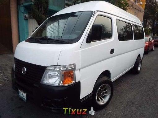 Foto Nissan urvan toldo alto con ventanas 15 pasajeros