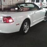 Foto Ford mustang convertible estandard v6 color blanco