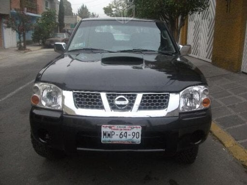 Foto Nissan frontier doble cabina 4 cilindros p/c