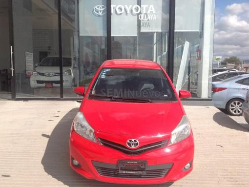 Foto Toyota Yaris 2012 133000