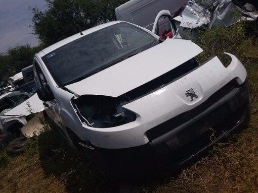 Foto Parner Diesel Modelo 2013 Accidentada