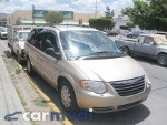 Foto Chrysler Town & Country, Color Beige, 2005, San...