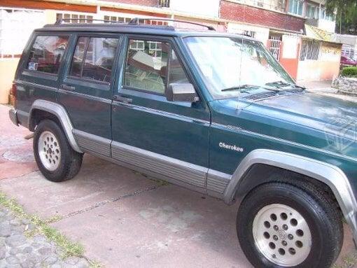 Foto Jeep Modelo Cherokee año 1995 en Gustavo a...