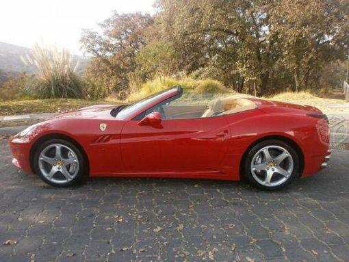 Foto Ferrari modelo California v8 4.3L