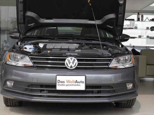 Foto Volkswagen JETTA TDi DSG