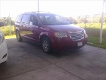 Foto Chrysler Town & Country, Color Rojo, 2010,...