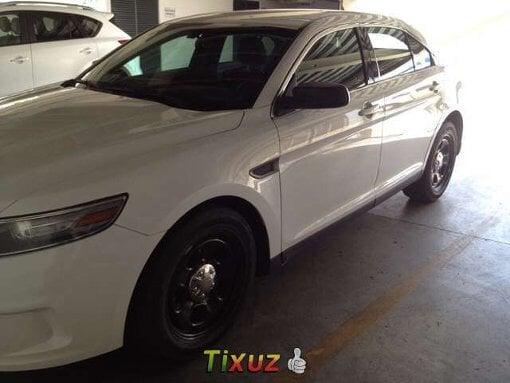 Foto Ford Taurus Police Interceptor 2013