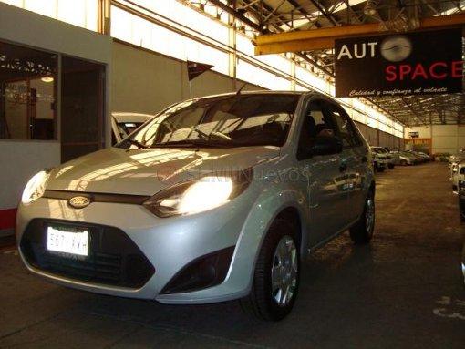 Foto Ford Fiesta Ikon 2011 39000