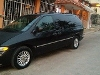 Foto Chrysler Town & Country Familiar 2000