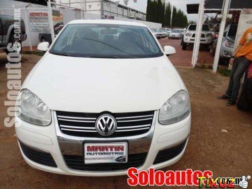 Foto Volkswagen bora 4p 2.5l style rines aluminio...