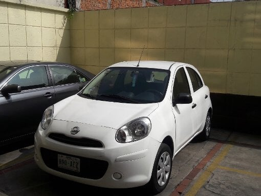 Foto Nissan March 5p Drive 5vel