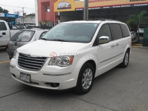 Foto Chrysler Town & Country 2010 72000