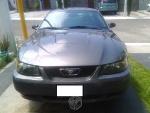 Foto Mustang seis cilindros Muy cuidado