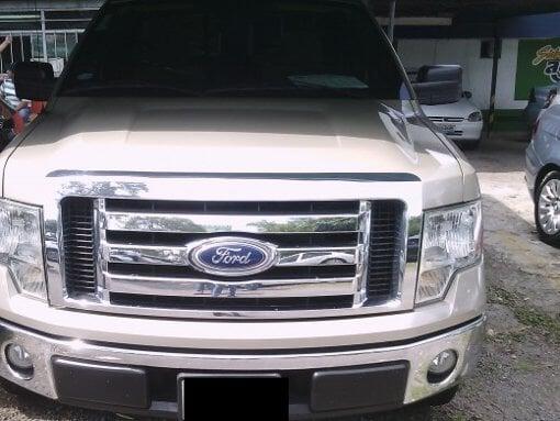 Foto Ford lobo cabina sencilla