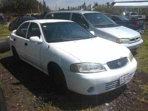 Foto Sentra 2003 con placas de taxi