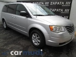 Foto Chrysler Town & Country 2010, Color Plata /...
