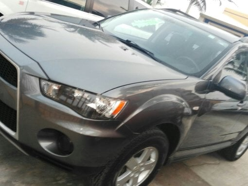 Foto Mitsubishi Outlander 5p Limited aut a/ ee