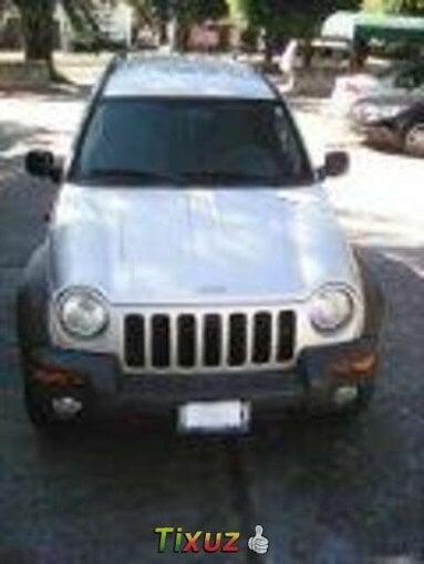 Foto Jeep Liberty plata 2004, Zapopan
