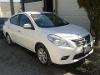 Foto Nissan Versa Advance 2012