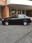 Foto Chevrolet Aveo 4 puertas color negro automático