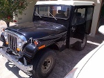 Foto Hermoso jeep antiguo