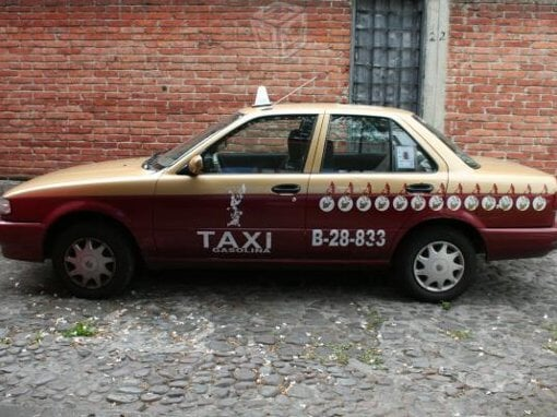 Foto Taxi nissan tsuru en México