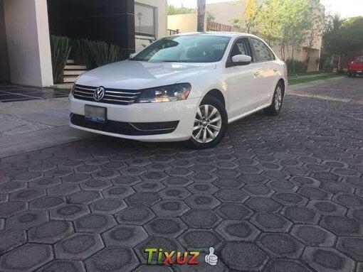 Foto Volkswagen Passat 4p Sedan Comfortline...