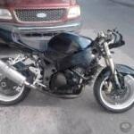 Foto Gsxr 750 cc para reparar