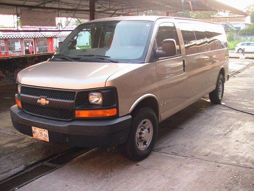 Foto Chevrolet Express Van C 5p aut a/ 15 pasajer