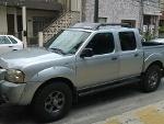 Foto Camioneta Nissan Frontier Plata