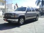 Foto 2004 Chevrolet Suburban 4x2 en Venta