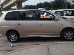 Foto Toyota gala tres filas de asientos gasolina...