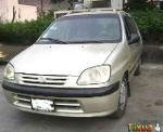 Foto Toyota Raum Año 2000 - Jazán